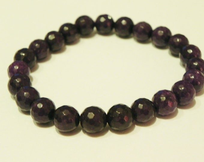 Faceted deep purple quartzite stretch gemstone bracelet