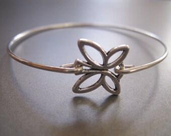 BUTTERFLY OUTLINE charm bangle bracelet