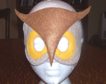 The Owl child's felt mask with reinforced elastic band