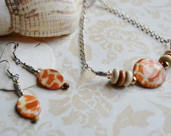 GIRAFFE PRINT SET Necklace and Earrings in Giraffe Print  Dangle Earrings Set