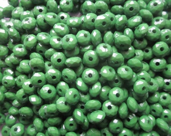 Green Faceted Acrylic Beads 8mm 20 Beads