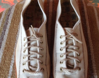 Vintage canvas Girl Scout shoes 1950s USA 8s