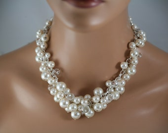 Chunky pearl necklace for your bridesmaid in ivory pearls and clear crystals