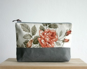 Large Make up Cosmetic Bag, Case, Clutch, Bridesmaids clucth, Roses, Autumn,