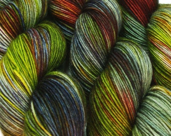LOTHLORIEN Lord of the Rings hand dyed fingering sock yarn sw wool nylon 3.5oz 460 yards
