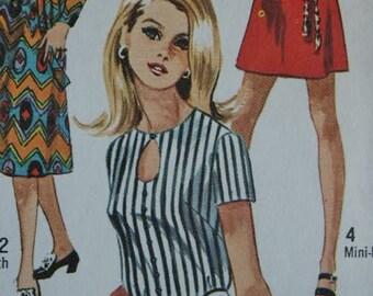 Vintage 1970 Simplicity Hippie Era Boho Dress Mini Maxi Keyhole Opening 8722 Sewing Pattern Size 8