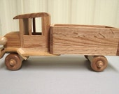 Classic Old Fashioned Truck Eco-friendly Reclaimed Wood Wooden Toy Car for Children Natural Unpainted
