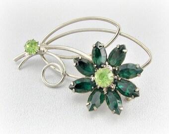 Vintage Daisy Brooch Pin, Emerald Green Navette Rhinestone Brooch, Silver Flower Brooch, 1960s Costume Jewelry, Spring Summer Autumn Jewelry