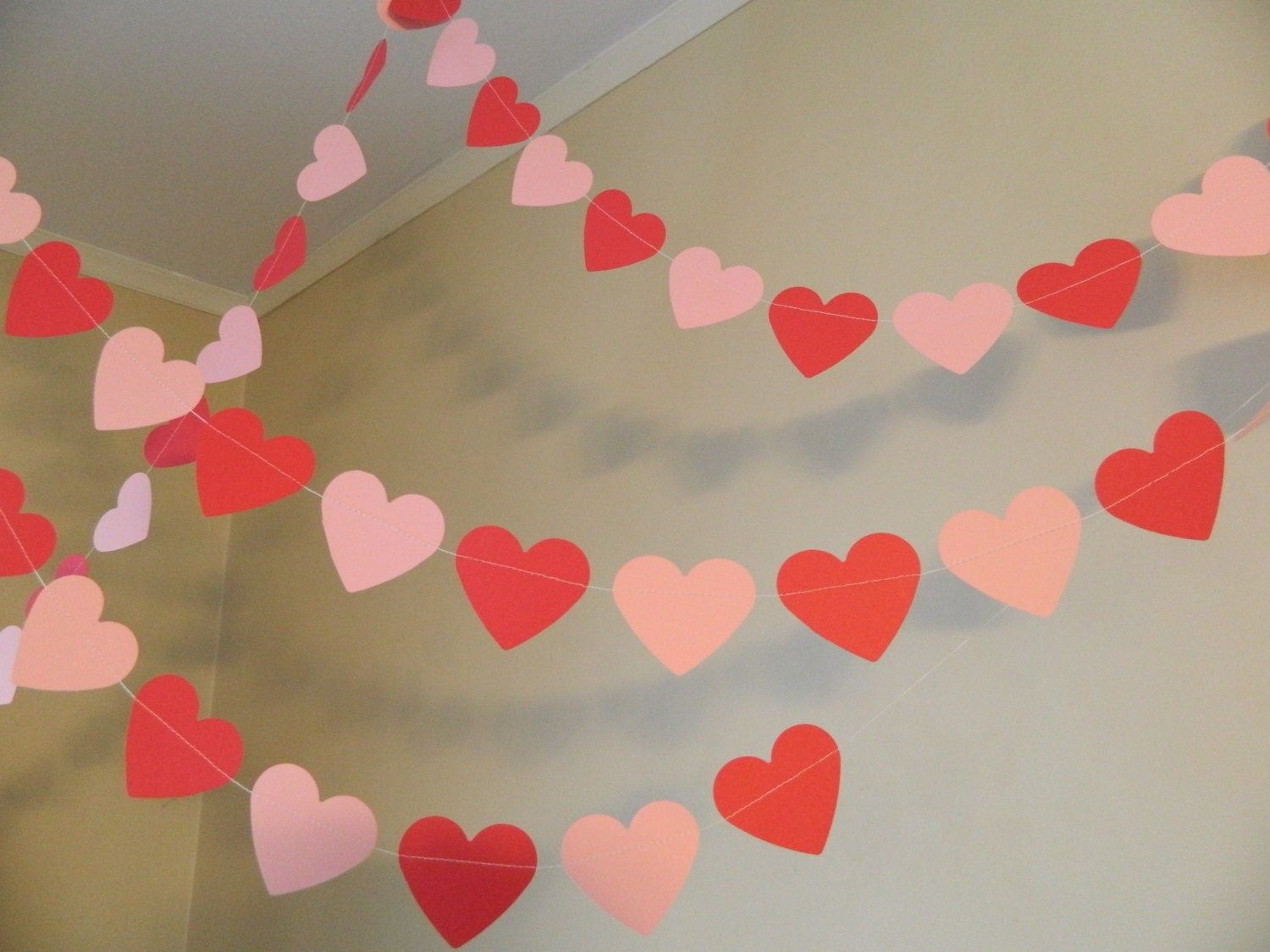 Valentines day decorations 6ft red and pink paper heart for Heart decoration ideas