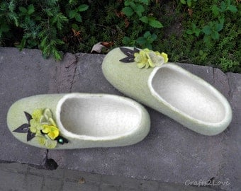 Felted slippers, Melon Dreams, Women slippers,wool slippers with leather soles, Warm bedroom slippers, Natural, eco - Made to order