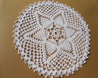 "White crochet doily , round doily , lace , 10"""