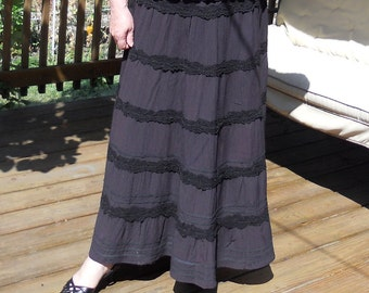 Black crinkle rayon leyered skirt, size L (or XL), ready to ship