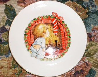 Vintage Christmas Plate Jasco Little Boy Looking For Santa