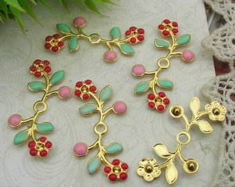 8 pcs ( 15x31mm) Gold Plated Flower Finding Resin Glossy  Filigree Charms.