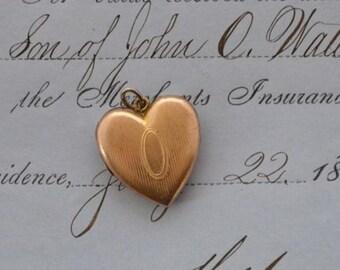 Vintage Gold Tone Heart Locket