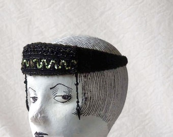 Black headband, 1920s flapper style Louise Brooks Femme fatale headpiece, sequins and beads