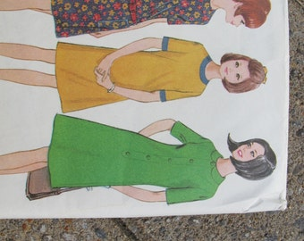 McCalls 8474 Pullover Teen and Pre-Teen Dress Pattern UNCUT (Size 10-12) / Vintage retro 1960's dress pattern