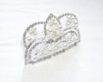 Rhinestone Pearl Hair Comb - Queens Crown Style - Wedding or Prom - Vintage
