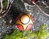 """Gold Star on Red Painted 1.5"""" Maple Wood Egg"""