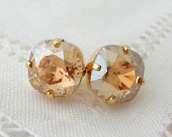 Champagne earrings,champagne stud earrings,Champagne crystal Swarovski earrings,champagne bridesmaids earrings,champagne bridal earrings
