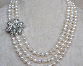 pearl necklaces,white pearl necklace,rhinestone flower necklace,3 rows pearl necklaces,freshwater pearl necklace,pearl brooch necklace