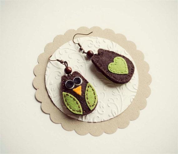 Felt owl earrings