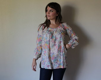 Vintage 1960s floral tunic peasant top gathered sleeves boatneck pastel colors cotton bohemian Size small- medium- Large