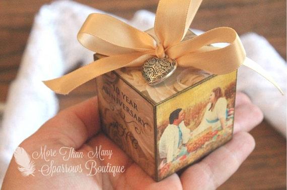 Wedding Gift Ornaments: Custom Wedding, Anniversary Gift