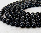 8mm A Grade Black Onyx Round Polished Gemstone Beads, Half Strand (INDOC685)