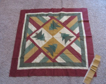 Christmas Tree Applique and machine stitched quilt top