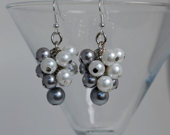 Pearl Cluster Earrings Silver and white pearls earrings, bridal jewelry, bridesmaids cluster earrings, chunky earrings, white pearl earrings