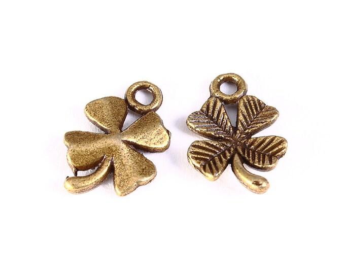 Lucky clover charm - Clover pendant - antique brass - 15mm x 11mm (1253) - Flat rate shipping