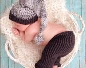 Newborn Crochet Pants and Matching Elf Hat Photography Prop