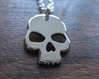 Silver Skull Pendant Necklace