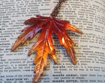 Vintage maple leaf necklace