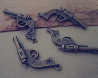 10pcs antique  Bronze Gun Charms 21mmx33mm