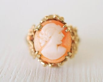 SALE -1970's vintage Shell cameo / lady silhouette 9k gold ring