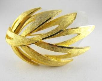 Gorgeous Gold Tone Brooch Signed BSK Vintage Leaf Motif