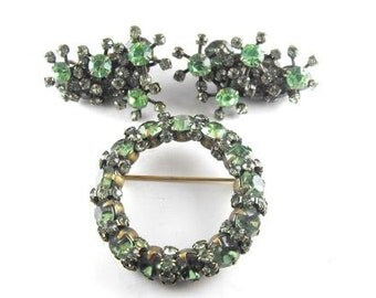 Rhinestone Brooch Earrings Awesome Olivine Color Circle Atomic Starburst Signed Warner Jewelry Set