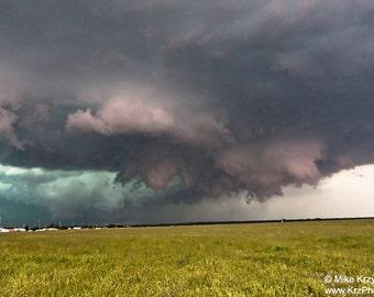 A Rotating Severe Supercell Thunderstorm in Nebraska