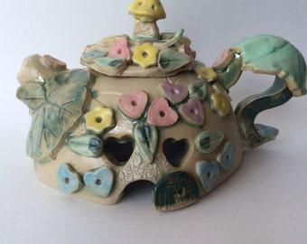 Trudy's Teapot Fairy House