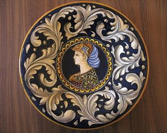 Maiolica Ceramic Plate measuring 30 cm in diameter