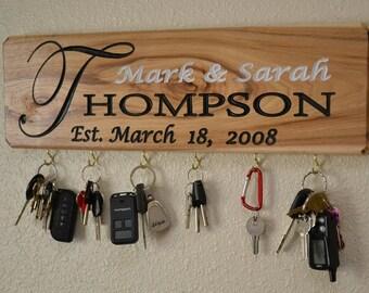 Personalized Name Key Holder  Wedding  gift, Personalized Sign Housewarming Key Holder, Christmas Present,  Key Hanger, Bridal Shower