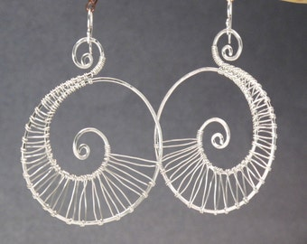 Hammered spiral shape earrings Nouveau 46