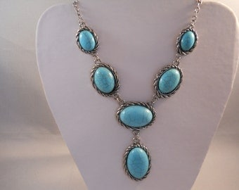 SALE Silver Tone and Turquoise Bead Pendant Necklace