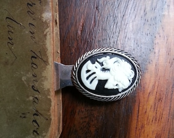 skull cameo bookmark