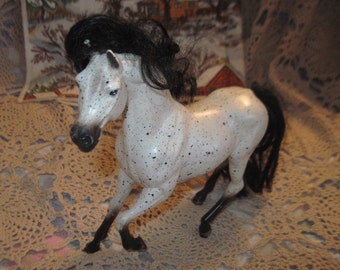 Sweet Black and White Small Horse  7 in Long, 6 1/2 in tall  :)