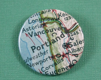Pinback Button, Portland, Ø 1.5 Inch Badge, Atlas, Travel, vintage, fun, typography, whimsical