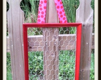 Chicken Coop Wire Memo Board with Ribbon