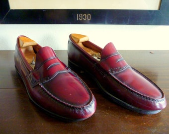 CLASSIC Vintage Bass Weejuns Penny Loafers 10 1/2 D.  Made in USA.